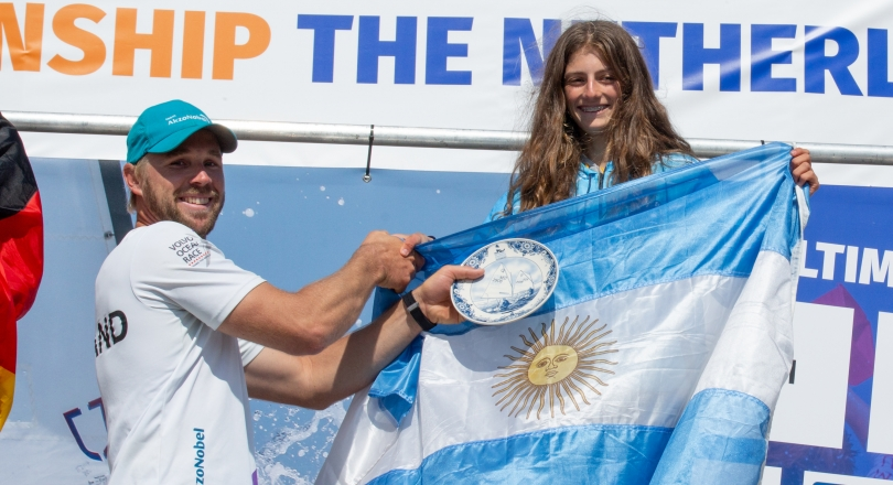 Girls Overall Champion - Victoria Charata Mackinnon(ARG)